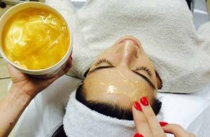 Tratamiento facial con mascarilla de oro