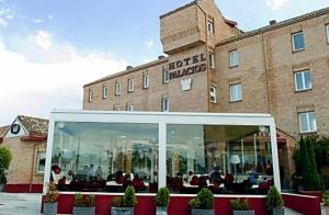 La Rioja: Noche + visita a bodega para 2